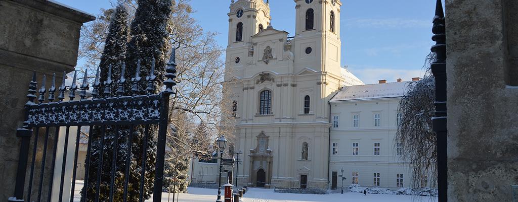 Templom Tel