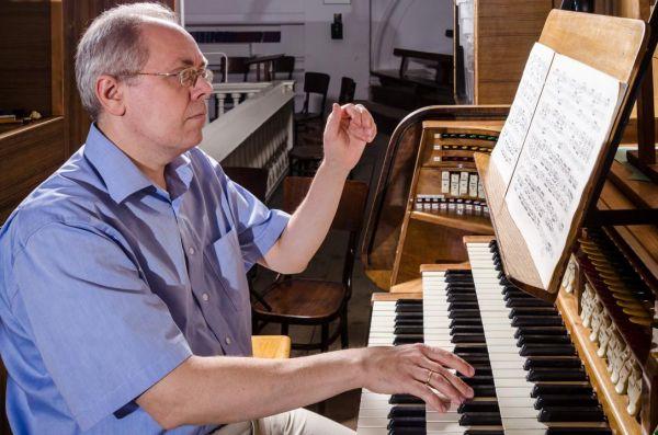 Finta Gergely ünnepi orgonahangversenye