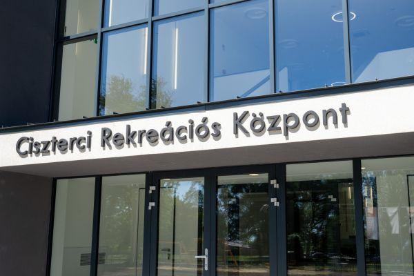 Átadták a Ciszterci Rekreációs és Továbbképzési Központot Balatonalmádiban